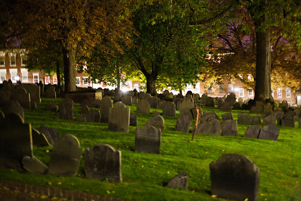 Ghosts & Gravestones Tour, Boston.