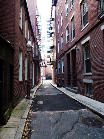 One of the many alleys in Boston.
