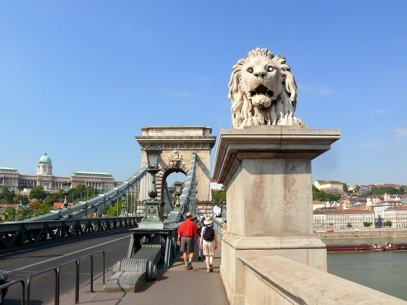 8-27-07 Budapest - Steve and Kara on the Chain Bridge