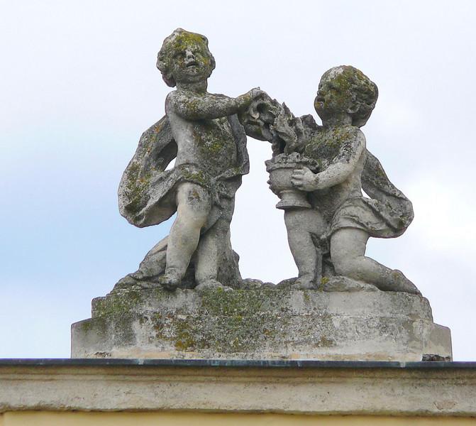 8-31-2007 Into Moravia - Lichtenstein Cupids