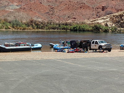 rafters loading into the Colorado River