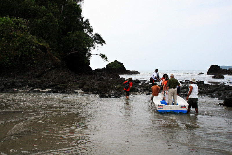 Boat ride to the entrance of the Manuel Antonio National Park.