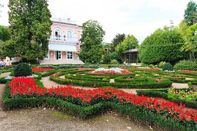Villa Angiolina with its flower park