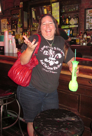 Jeanie and the handgrenade