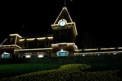 2010 - Jan - 18-24 - Family Disneyland Trip-7681