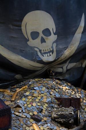 Pirate Flag & Treasure on Tom Sawyer's Island