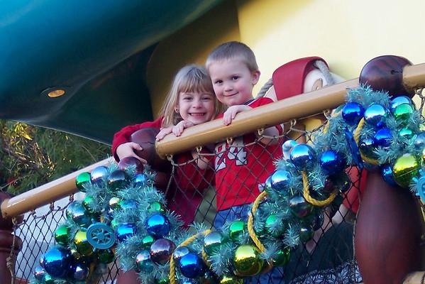 Disneyland & Grandparents Rinder - December 2004
