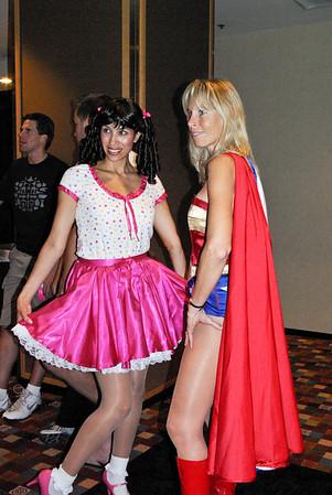 Evey & Super Girl