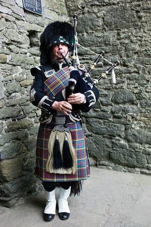 Bunratty Castle bagpipe player