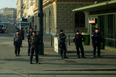Chinese Prime Minister decided to visit Vienna, lots of police activity