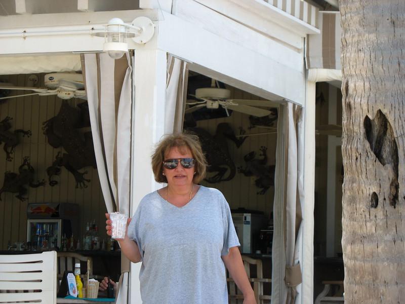 Pier House beach side bar & grille.