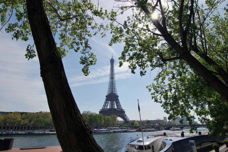 As we work our way towards the Eiffel tower it really starts to show its height.