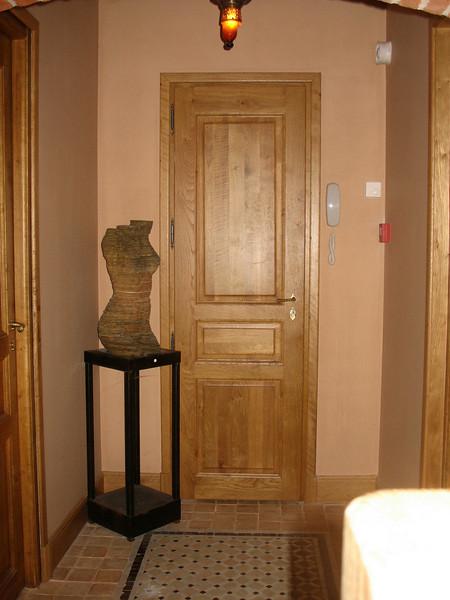 Maison de Lucie corridor.
