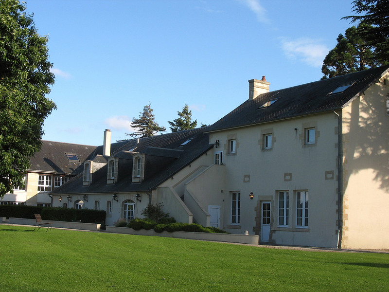 Additional buildings, Chateau de Sully.
