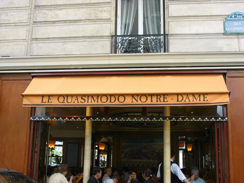 Quasimodo Cafe. (Paris)