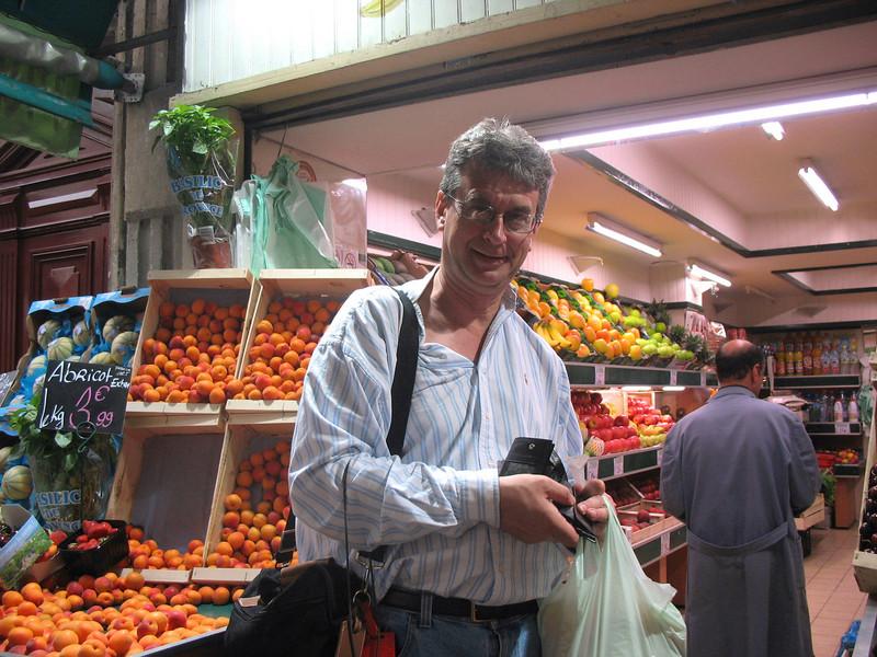 Montmarte fruit stand.