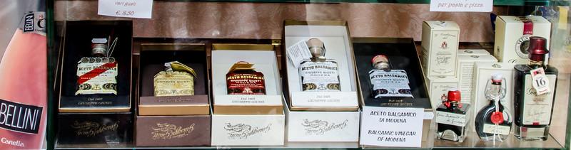 10-11-12 Great little gourmet shop. VERY expensive balsamic vinegars in beautiful bottles.