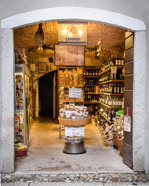 10-15-12 Wine shop in Orta San Guilio.