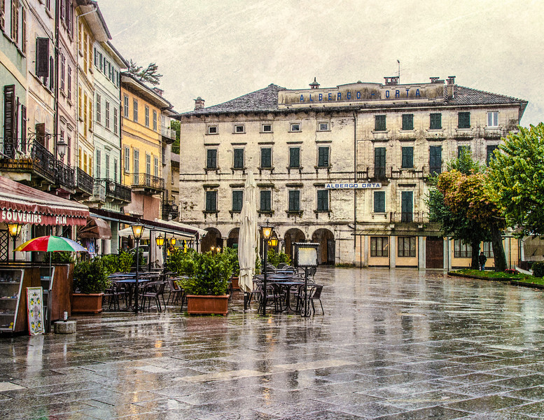 10-15-12 Plaza and hotel in the little town of Orta San Guilio