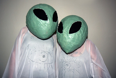Alien costume contest