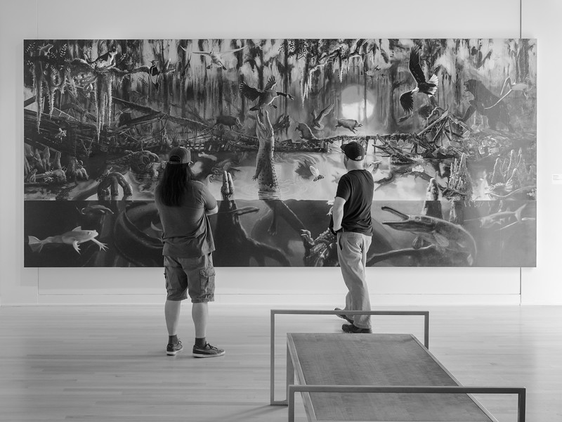 Two guys in a Museum. #NOMA #Louisiana #Neworleans #museum #monotone #OlympusEM1