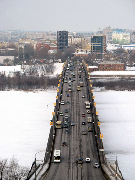 Bridge across the Volga. (Nizhny Novgorod, Russia)