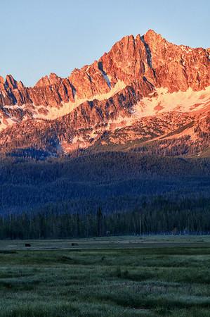 Sunrise on the Sawtooths