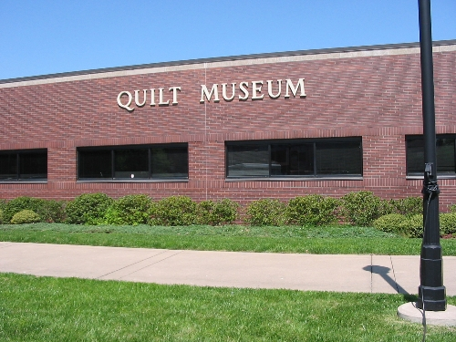 Apr 2008 Day 5 American Quilters Society Quilt Museum