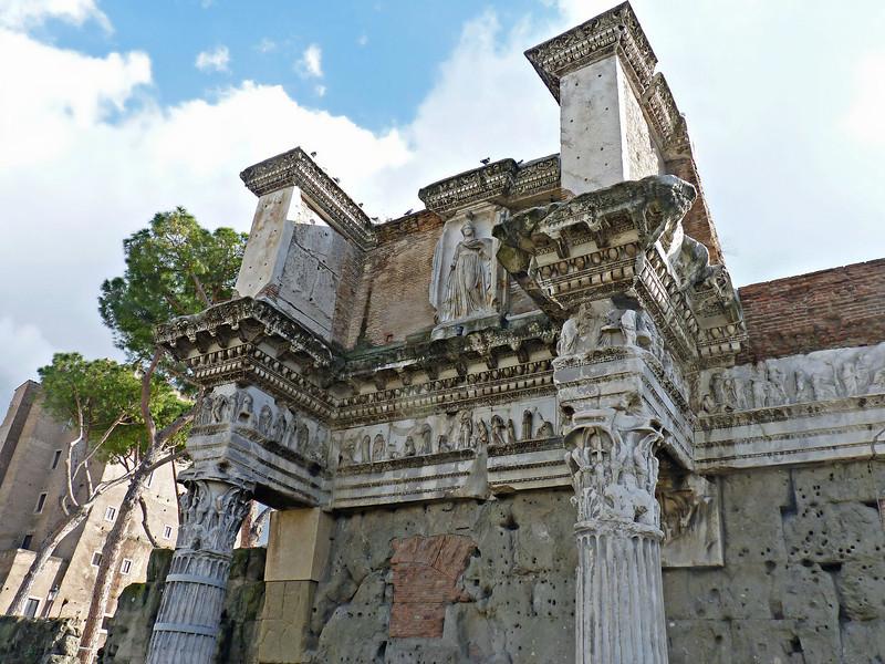 Temple goddess detail in Trajan's Forum.