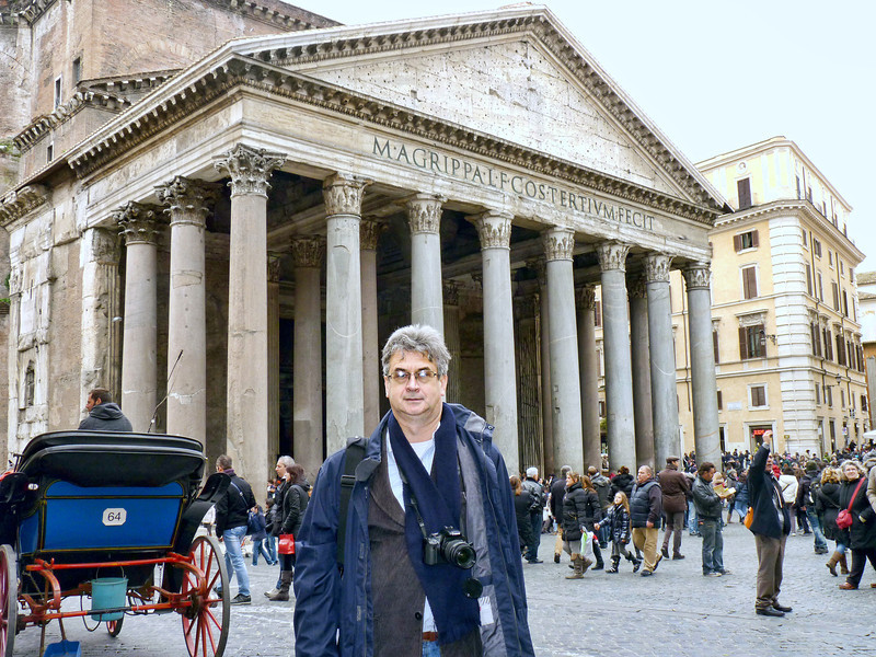 Rustem outside the Pantheon.