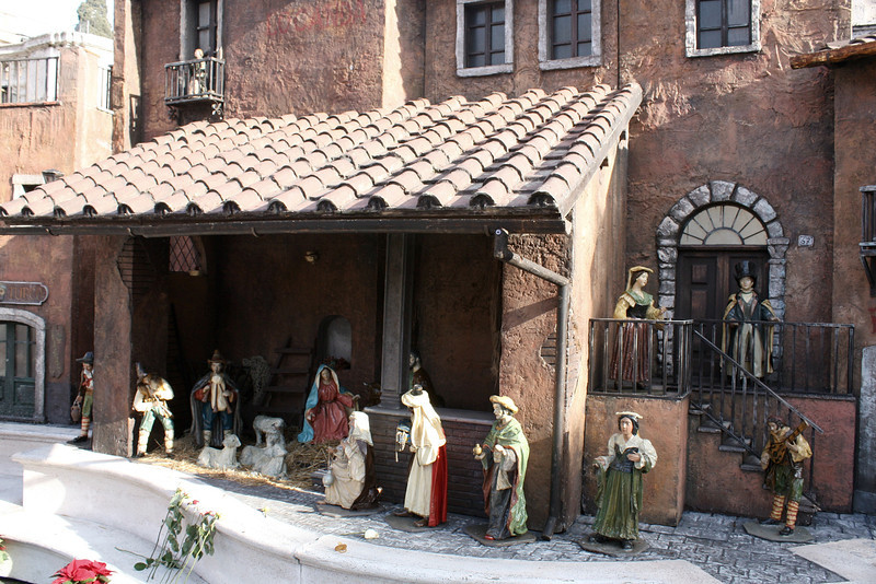 Detail of the Nativity scene at the base of the Spanish Steps.