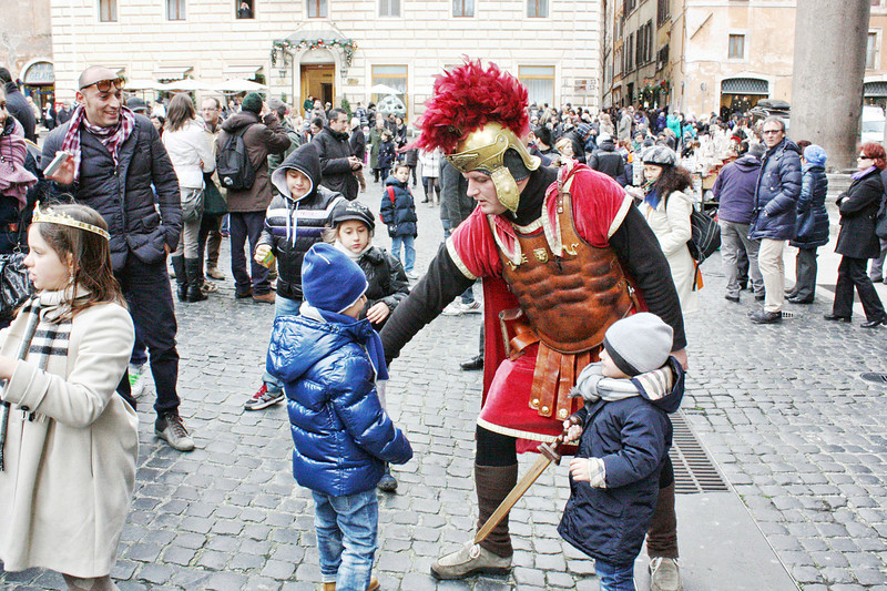 Young children with gladiator in front of the Pantheon.