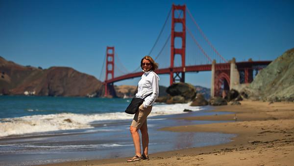 Melinda in front of the Golden Gate Bridge