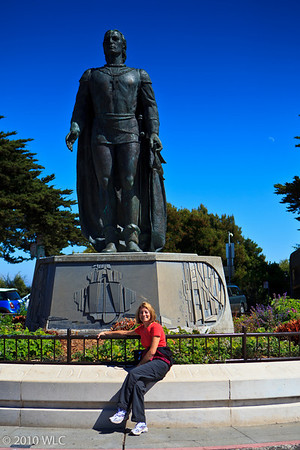 Christopher Colombus, The Moon & Melinda in front of the Coit Tower
