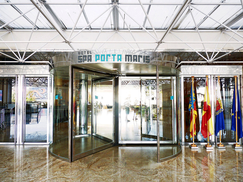Entrance to our Alicante hotel, Spa Porta Maris.