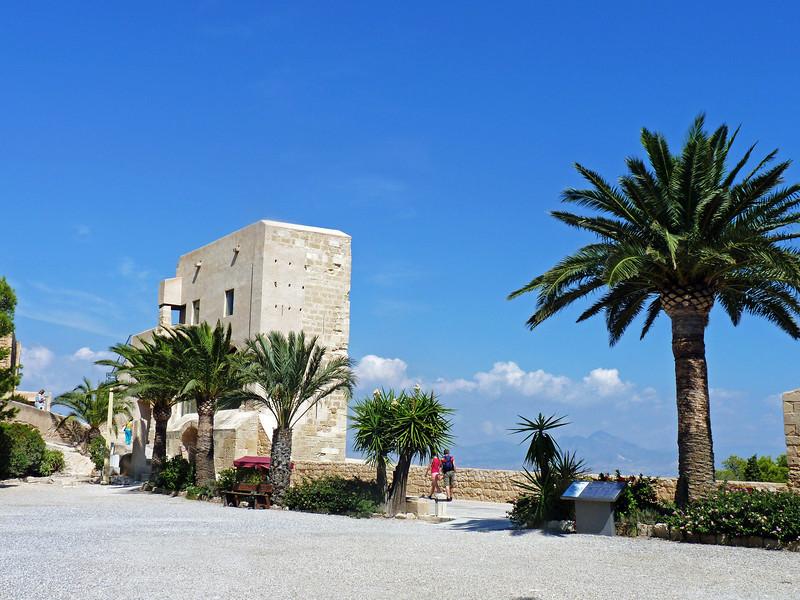 Castillo de Santa Bárbara - still not at the top.