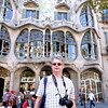 Rustem in front of Casa Battlo. Built between 1904-1906, the house was commissioned by a wealthy textile industrialist.