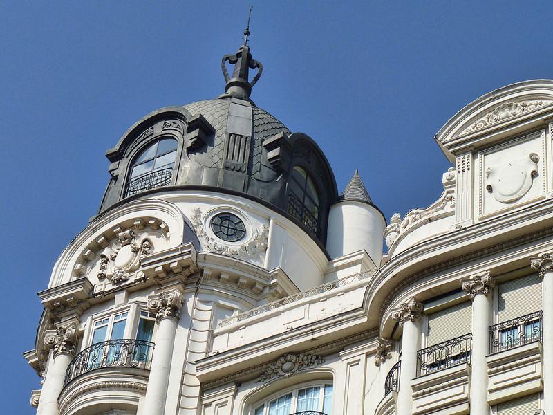 Stunning architecture on Madrid's Gran Vía - no less impressive than the Champs-Élysées.
