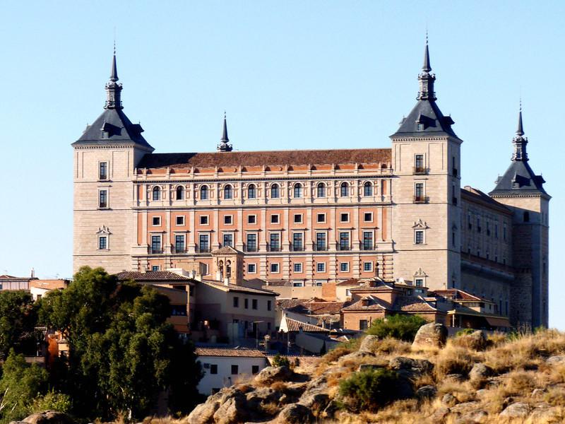 El Alcázar de Toledo from afar.
