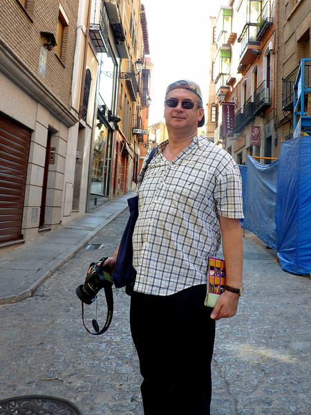 Rustem in a Toledo alley way.