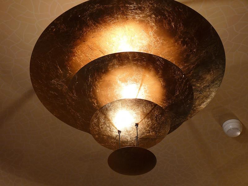 Casa Battlo light.