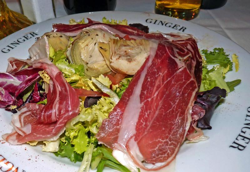 Artichoke & jamon salad. Restaurant Ginger. (Madrid)