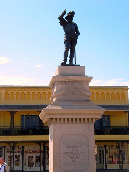 Monument to Juan Ponce de León.