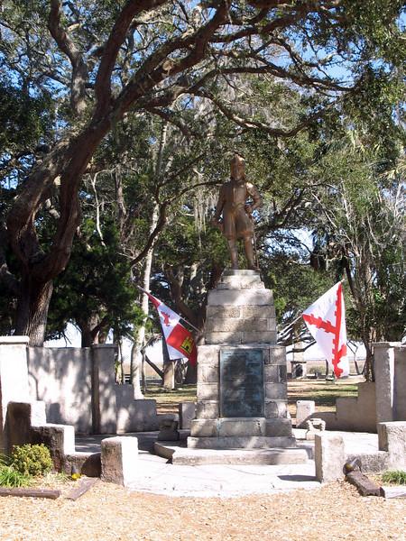 Monument to Ponce de León.