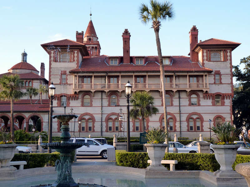 Flagler College, built in 1887, was once the Hotel Ponce de León. This Spanish Renaissance building is now student housing.