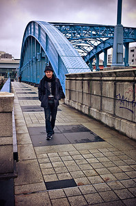Rinzi strolling on the bridge