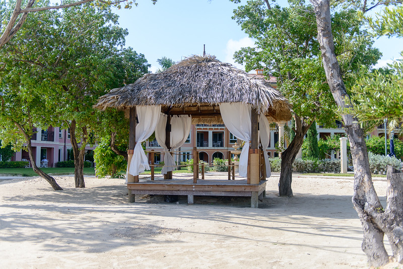 Private cabana by the Dutch Village