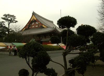 Monday 3rd. My first tourist spot: Senso-ji