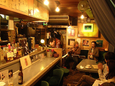 Sunday 2nd. at The Manhattan´s in Asagaya.