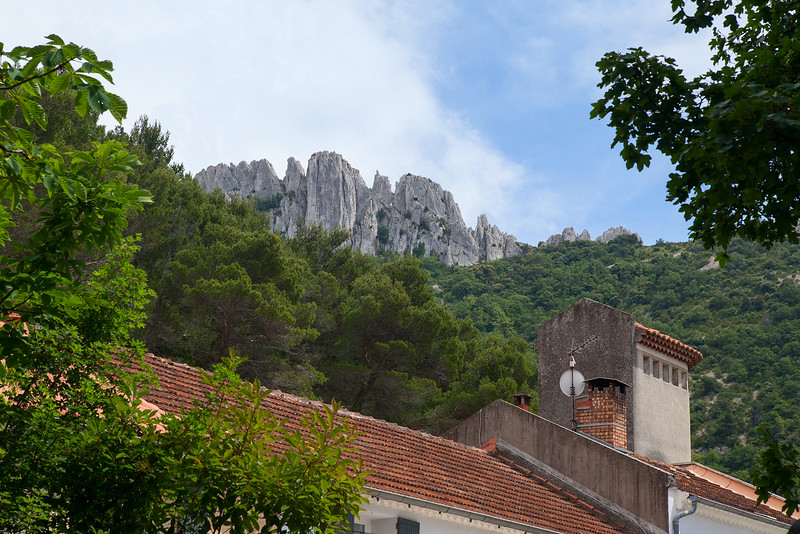 Lunch at Les Floret (Dentelles in the Background) 3198-2